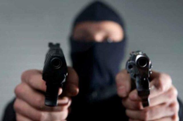 Grupo armado asalta tienda deportiva en el Centro de Puebla