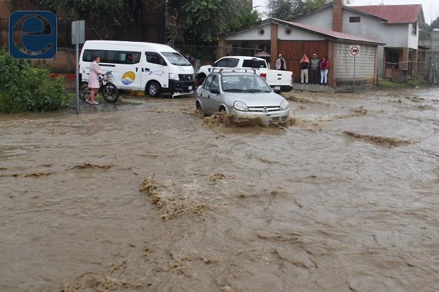 Afectan lluvias a 14 municipios de Puebla