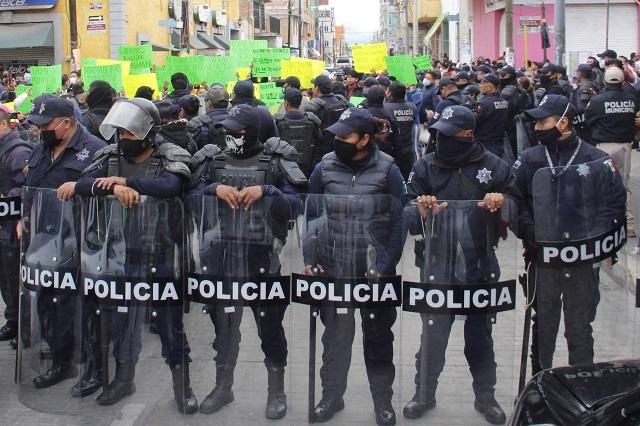 Critica Barbosa a las policías  municipales menos a Texmelucan