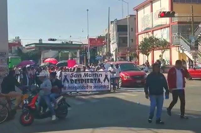 Marchan en Texmelucan y exigen destituir a Norma Layón