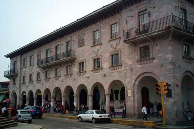 Atender conflicto laboral en ayuntamiento de Teziutlán, demandan