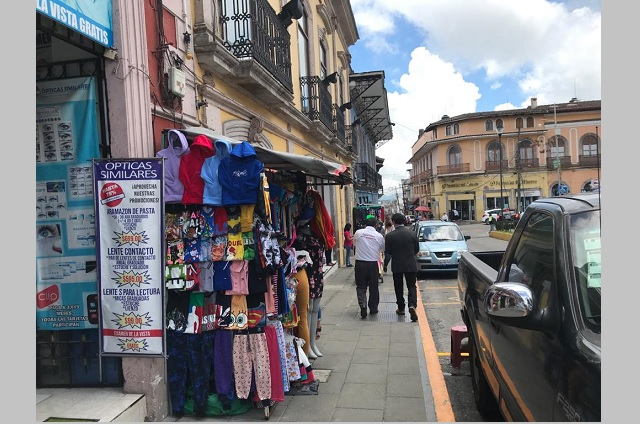 Anuncian reactivación de comercios este domingo en Teziutlán