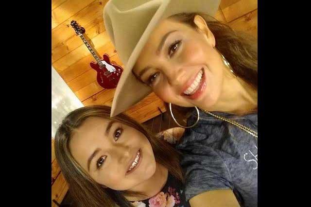 La quinceañera Rubí quiere dueto con Thalía