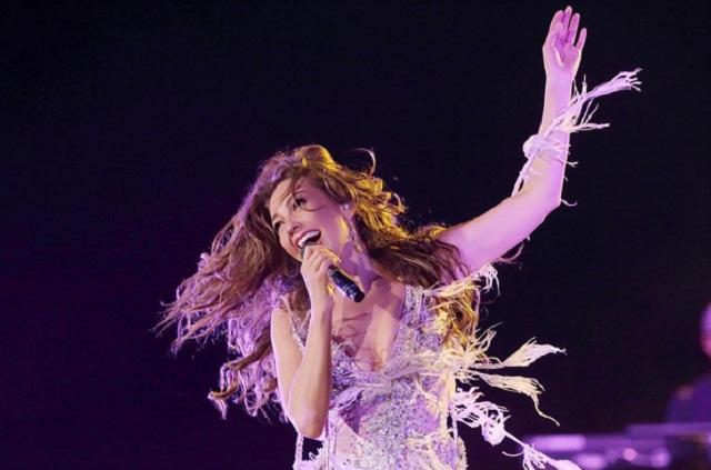 Thalía da adelanto de su documental Latina Love Tour