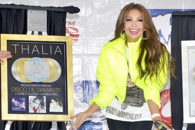 Thalía recibe reconocimientos y disfruta del mariachi en México