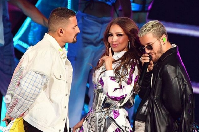 Fotos: Thalía deslumbra con transparencias en los Premios Lo Nuestro