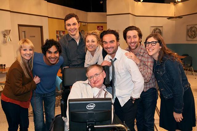 Actores de The Big Bang Theory despiden a Stephen Hawking