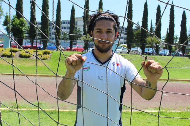 Manuel Motolinía culmina exitosa labor como estudiante deportista de UMAD