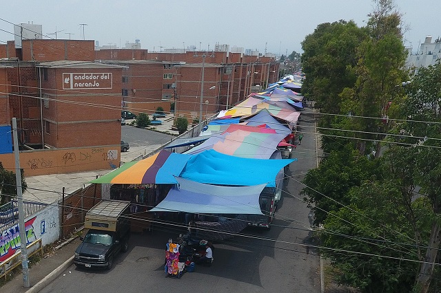 En la capital permiten tianguis en zonas de contagio: Barbosa