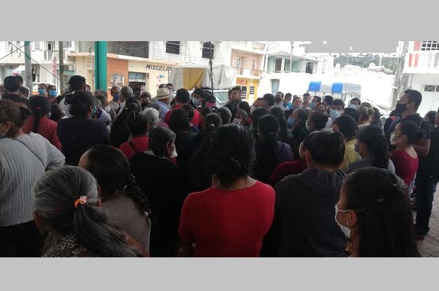 Cierran mercado 3 de Mayo de Altepexi por contagios de Covid-19