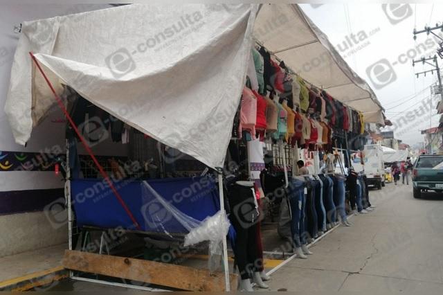 Tianguistas de Zacapoaxtla reportan caída en ventas de hasta el 70%