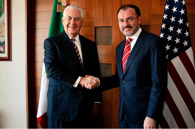 Videgaray y Tillerson se reúnen y revisan agenda de seguridad y migración