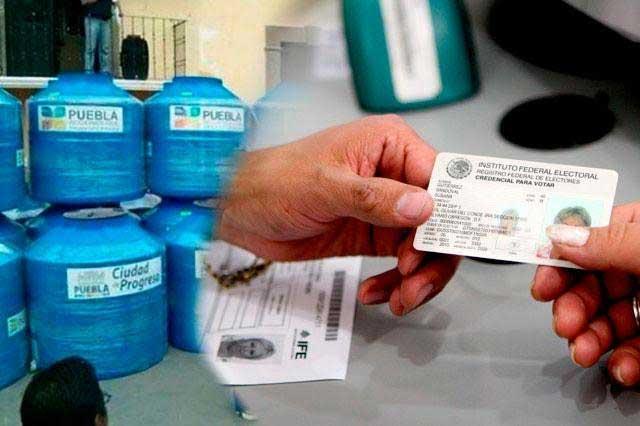 Denuncia PRI entrega de tinacos a cambio de credencial del INE