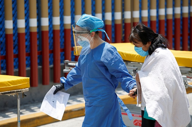 Escasean camas y ventiladores en hospitales de CDMX por Covid
