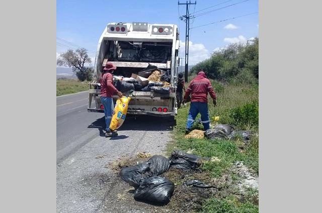 Ubican tiraderos clandestinos de restos de aves en Tehuacán