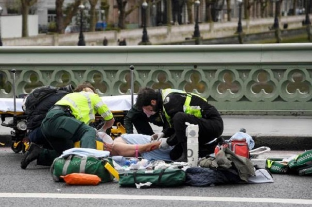 Tiroteo frente al parlamento británico deja un saldo de 10 heridos