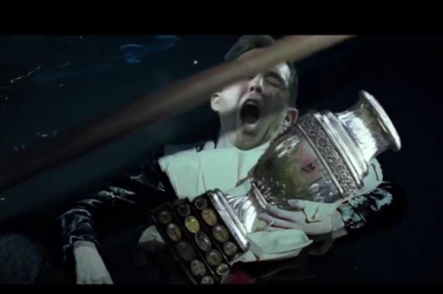 Con video del Titanic se burlan de que Chile no va al mundial