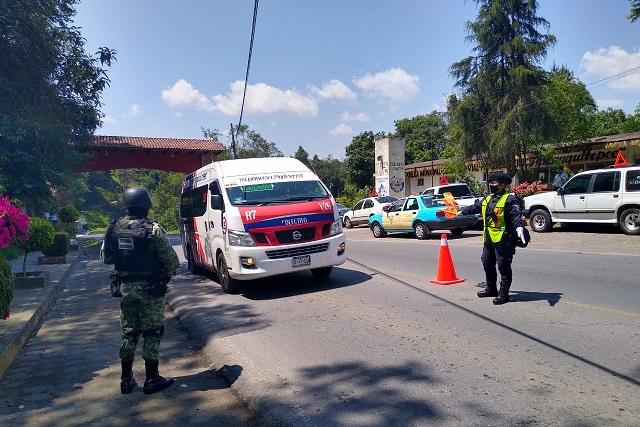 Verifican que transporte cumpla medidas sanitarias en Tlatlauquitepec