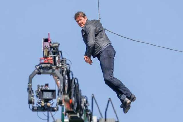 Impactante: Tom Cruise sufre accidente en grabación de Misión imposible 6