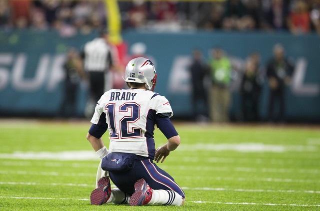 Podrían fincarle cargos federales al que robó la camiseta de Tom Brady