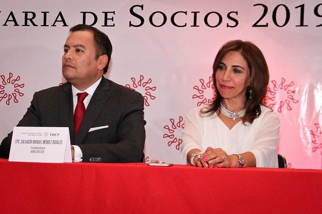 Salvador Méndez Rosales encabeza dirigencia del Colegio de Contadores