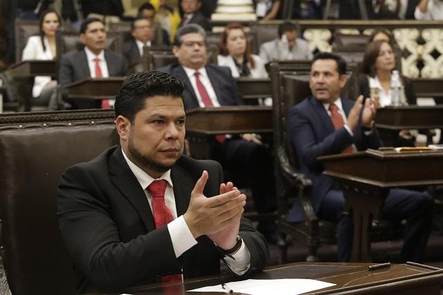 Hasta el PAN vota a Biestro como presidente de Junta de Gobierno