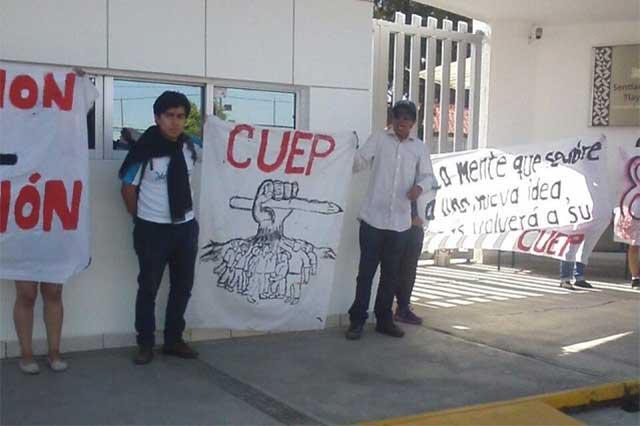 Toma simbólica de la SEP en apoyo a lucha de la CNTE