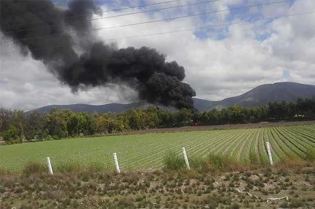 Toma clandestina ocasiona incendio en Quecholac