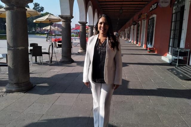 Tonantzin Fernández solicita licencia en el Congreso del estado