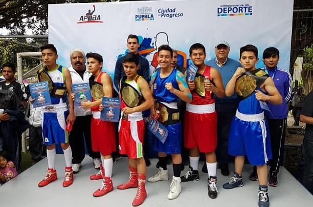 Coronan a campeones del torneo de los Barrios de Box en Puebla