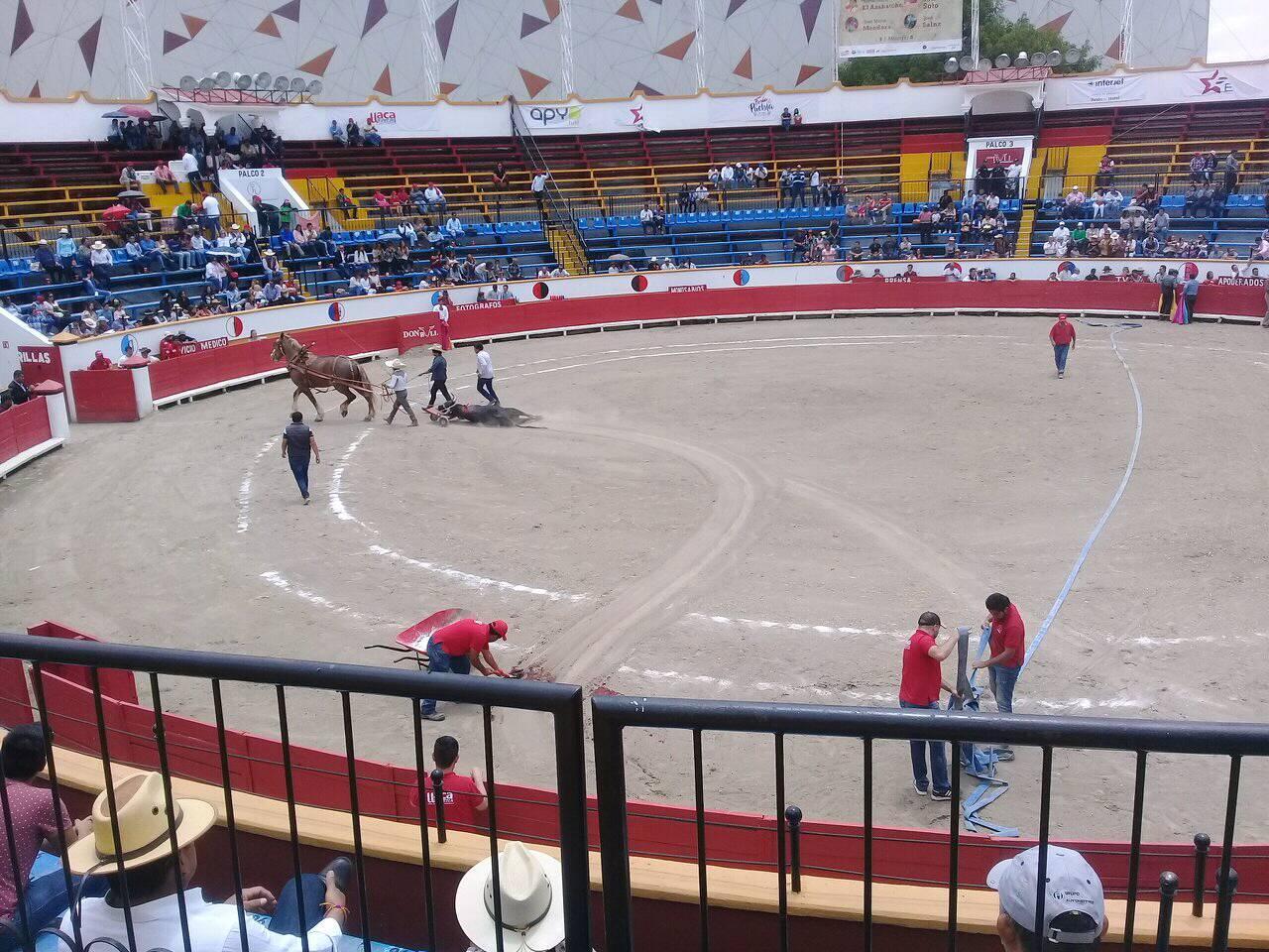 Protestan por actividad taurina en la Feria de Puebla