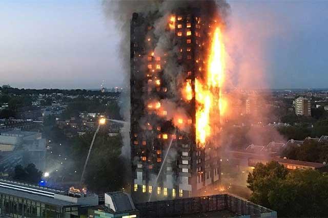 Precisan que murieron 79 personas en incendio en torre de Londres