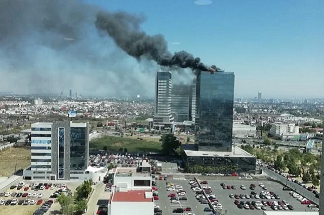 Incendio en Torre Titanium fue controlado; falló sistema de aire