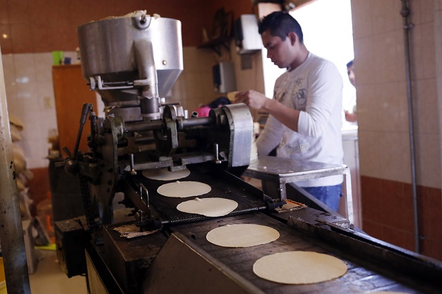 El kilo de tortilla tendrá que costar 13 pesos advierten productores