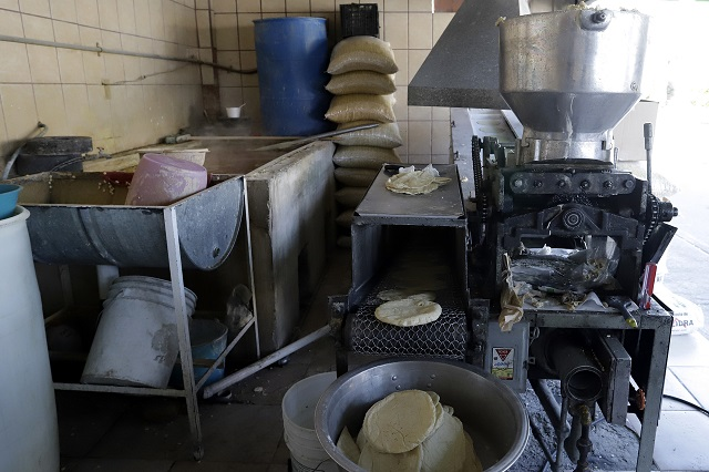 Proponen emplear a internos del Cereso de Puebla en tortillerías