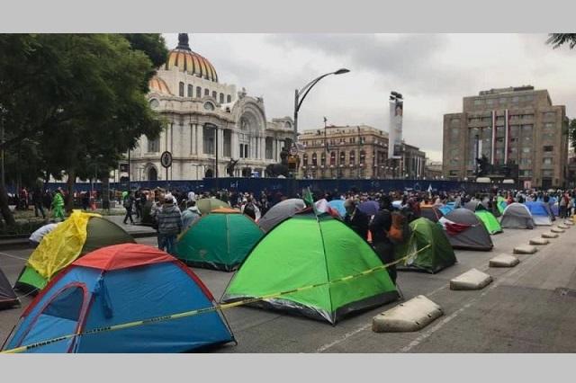 Manifestantes anti AMLO inician plantón de 1 mes en la CDMX