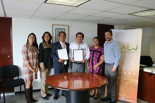 Tiene Puebla centro de evaluación y traductores en lengua indígena