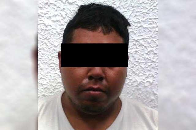 Detienen en Acatlán a supuesto traficante de armas