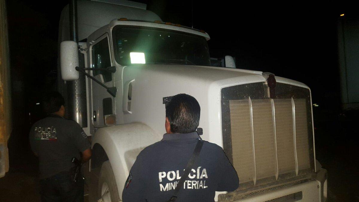 Recuperan en la zona de Tecamachalco un tráiler robado