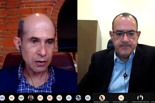Directivos de empresas hablan de negocios en la IBERO Puebla