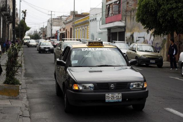 Federación dará créditos a taxistas y meseros en Puebla