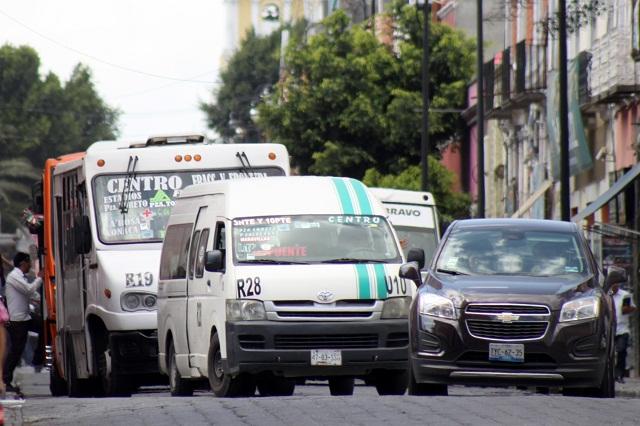 Gobiernos deben priorizar el transporte público: expertos
