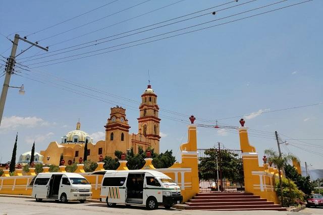 Transporte de Acatlán sufre crisis económica por Covid-19