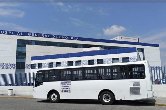 FSTSE nacional apoya con autobús a personal del Hospital General de Cholula