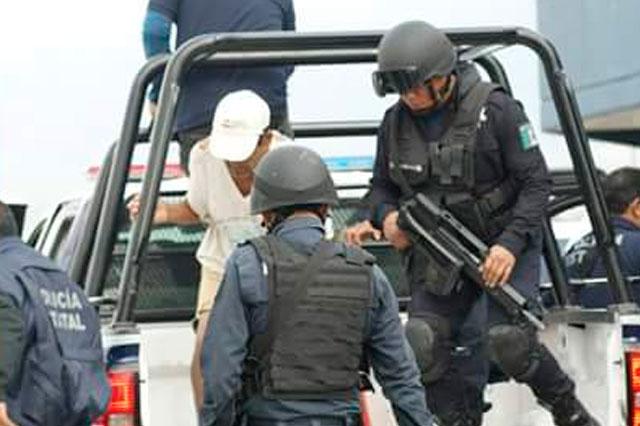 Llevan a detenidos en Ajalpan al Cereso de Tepexi de Rodríguez
