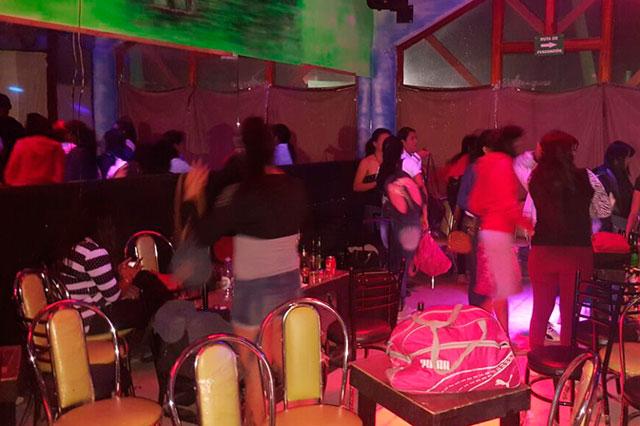 Rescatan a 4 mujeres víctimas de trata  en club de San Salvador El Seco