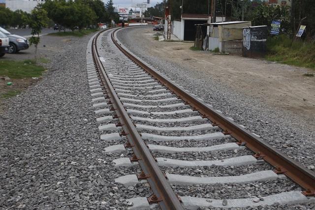 Muere policía auxiliar de Veracruz tras caer de un tren en Puebla