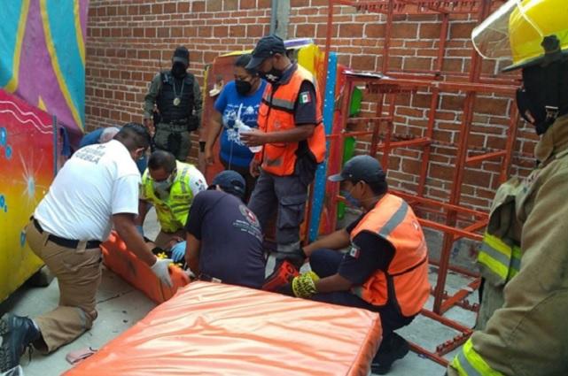 Tres heridos por caída de juego mecánico en feria de Cholula