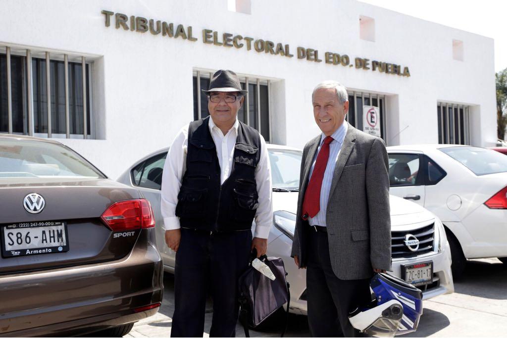 Validan a Cárdenas 25 mil firmas y  pide al IEE registro como candidato