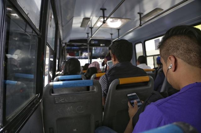 Cobran derecho de piso al transporte en Tecamachalco
